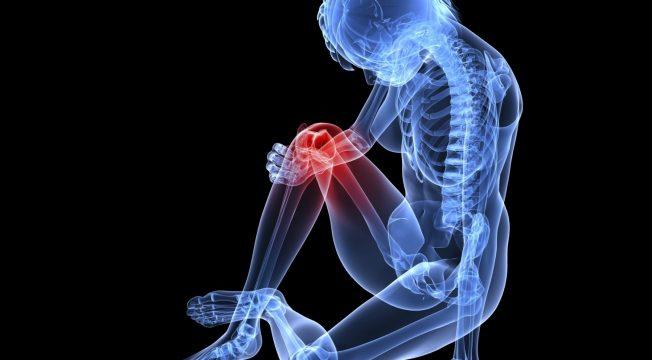 Как защитить зимой кости и суставы